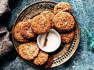 Лесни коледни сладки с орехи и аромат на ром